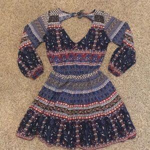 Hollister unique print dress  3/4 sleeve